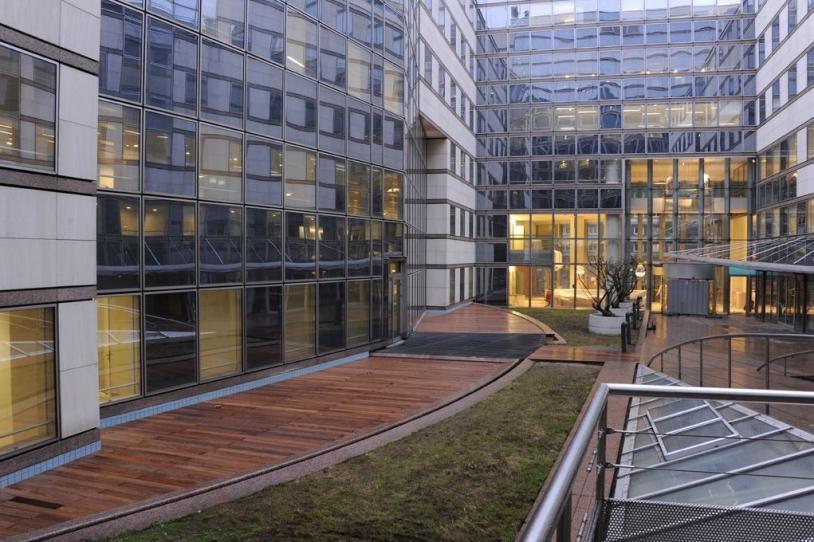 CNES DLA - Le patio. Crédits : CNES/Hervé PIRAUD